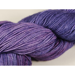 Fyberspates Vivacious 4ply Farbe: 628 Blueberry Imps